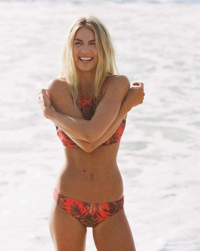 Người mẫu áo tắm Elyse Knowles siêu quyến rũ khi mang bầu - ảnh 18