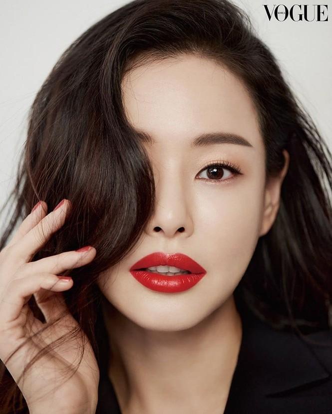 Hoa hậu đẹp nhất Hàn Quốc Honey Lee U40 vẫn độc thân quyến rũ  - ảnh 7