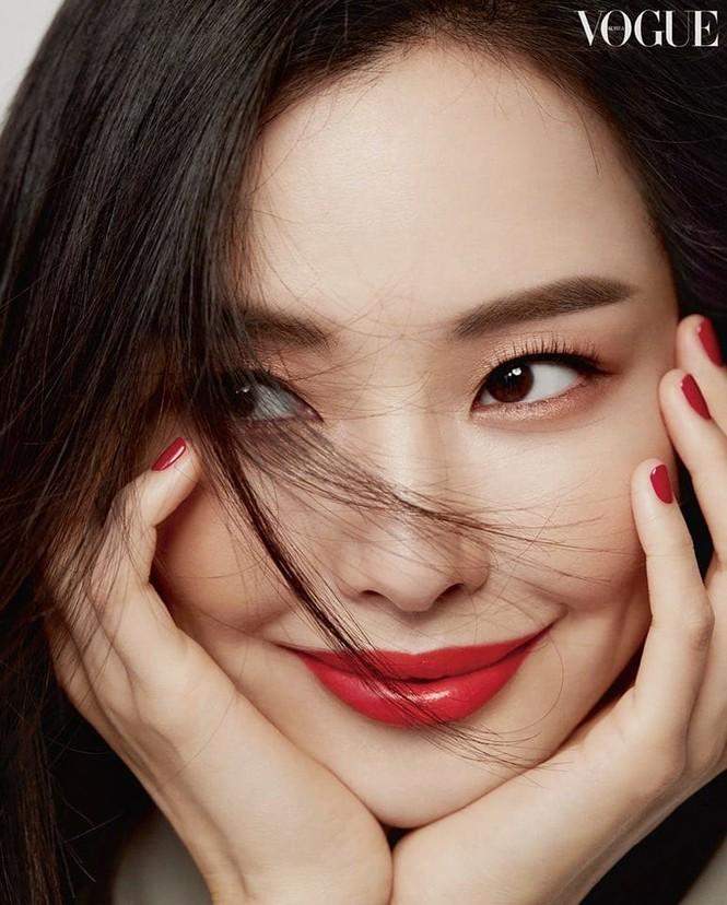 Hoa hậu đẹp nhất Hàn Quốc Honey Lee U40 vẫn độc thân quyến rũ  - ảnh 3