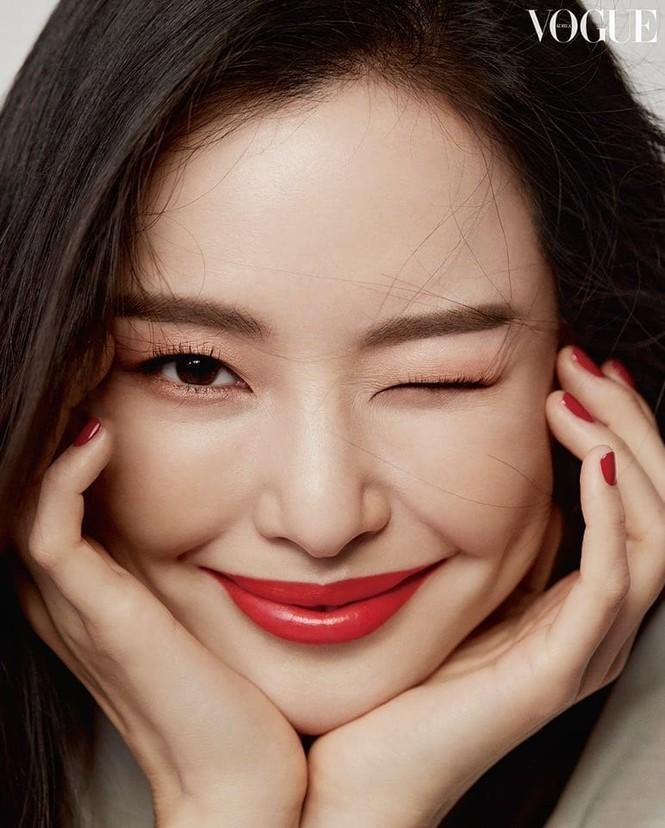 Hoa hậu đẹp nhất Hàn Quốc Honey Lee U40 vẫn độc thân quyến rũ  - ảnh 4