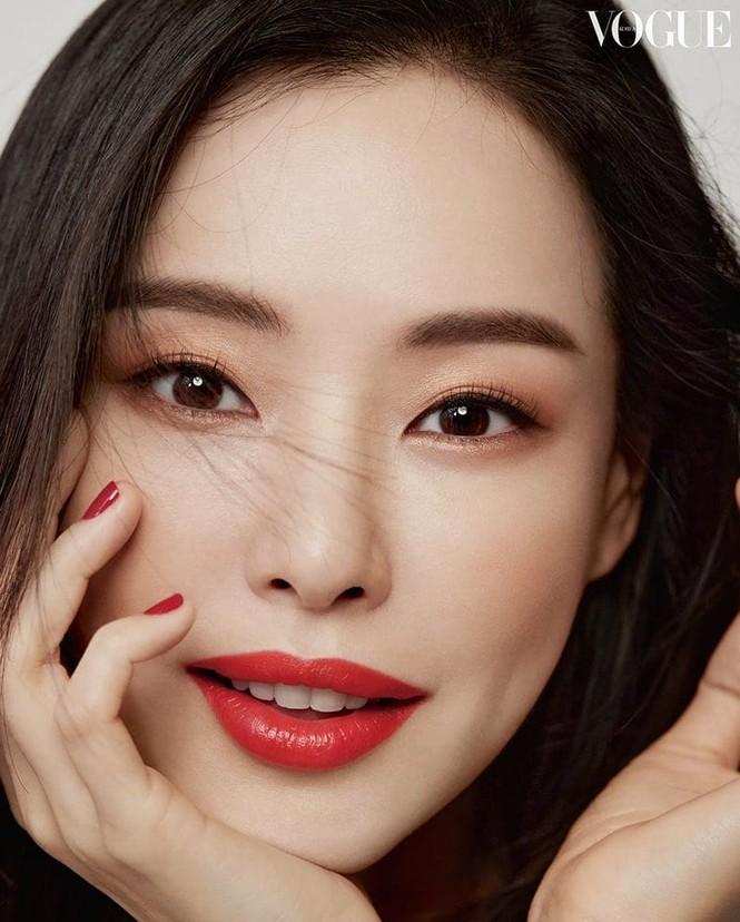 Hoa hậu đẹp nhất Hàn Quốc Honey Lee U40 vẫn độc thân quyến rũ  - ảnh 5