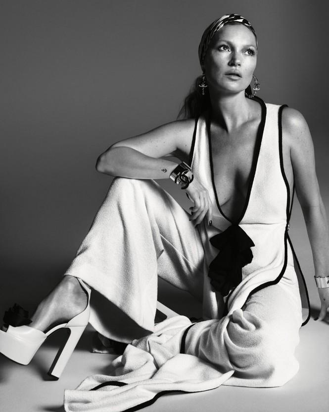 Kate Moss U50 gợi cảm đầy sức sống - ảnh 9
