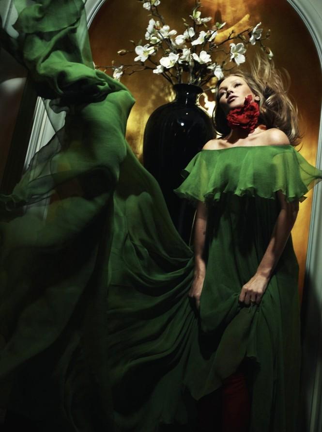 Kate Moss U50 gợi cảm đầy sức sống - ảnh 12