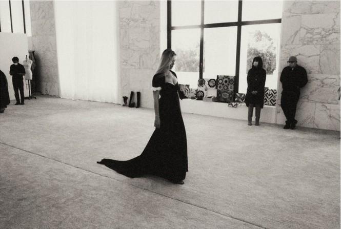 Kate Moss U50 gợi cảm đầy sức sống - ảnh 3