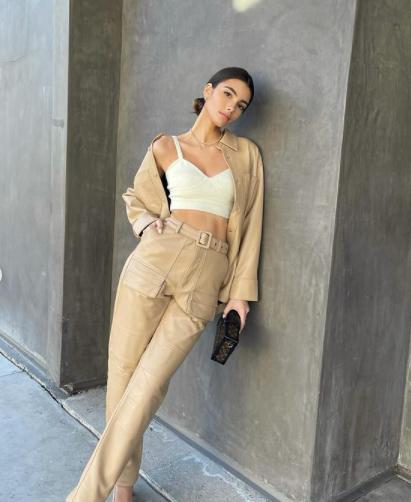 Người mẫu Brazil sở hữu vòng eo 'con kiến' nhỏ xíu khó tin - ảnh 3