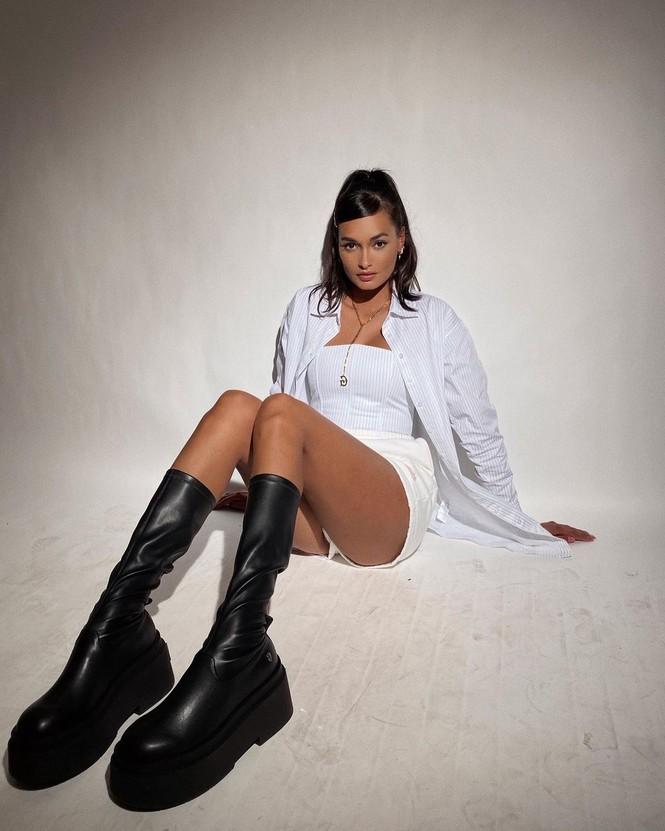 Dáng vóc gợi cảm đầy sức sống của nàng mẫu Brazil Gizele Oliveira - ảnh 8