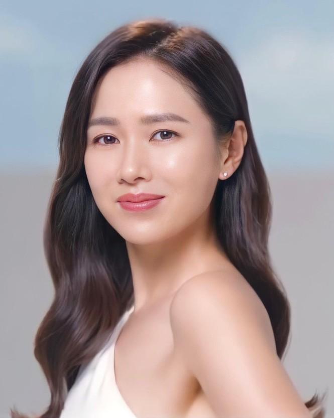 Son Ye Jin U40 trẻ đẹp rạng ngời - ảnh 6