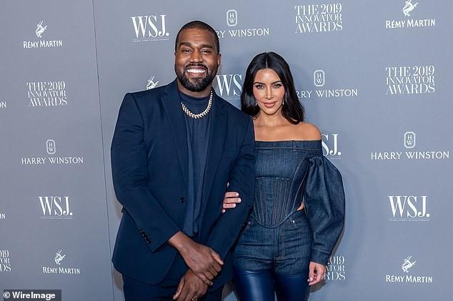 Mỹ nhân độc thân quyến rũ Kim Kardashian lần đầu lộ diện sau ly hôn - ảnh 9