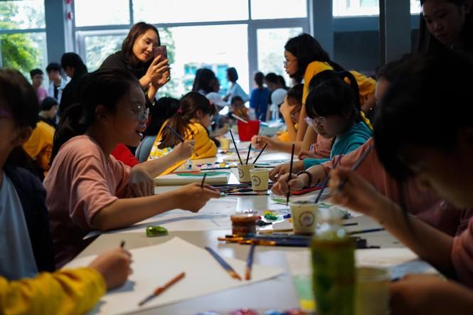 Học sinh Hà Nội gói bánh chưng tặng người nghèo - ảnh 9
