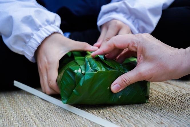 Học sinh Hà Nội gói bánh chưng tặng người nghèo - ảnh 3