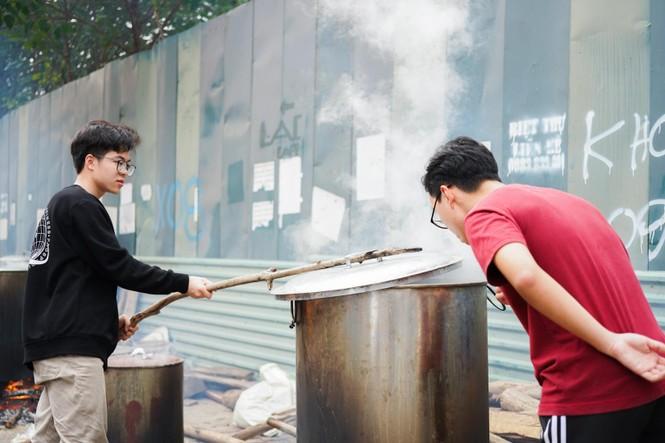 Học sinh Hà Nội gói bánh chưng tặng người nghèo - ảnh 5