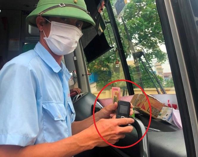 Nhà xe 'bất lực' khi khai báo y tế điện tử: Sở GTVT Hà Nội nói gì? - ảnh 1