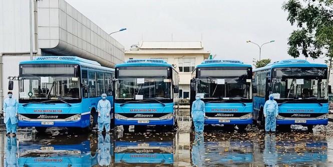 Tâm sự của tài xế xe buýt đưa người hết cách ly về địa phương - ảnh 2