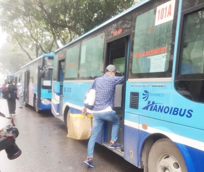 Tâm sự của tài xế xe buýt đưa người hết cách ly về địa phương - ảnh 3
