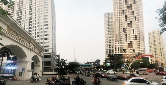 Cận cảnh cao ốc 'nhấn chìm' con đường BT Hà Nội - ảnh 11