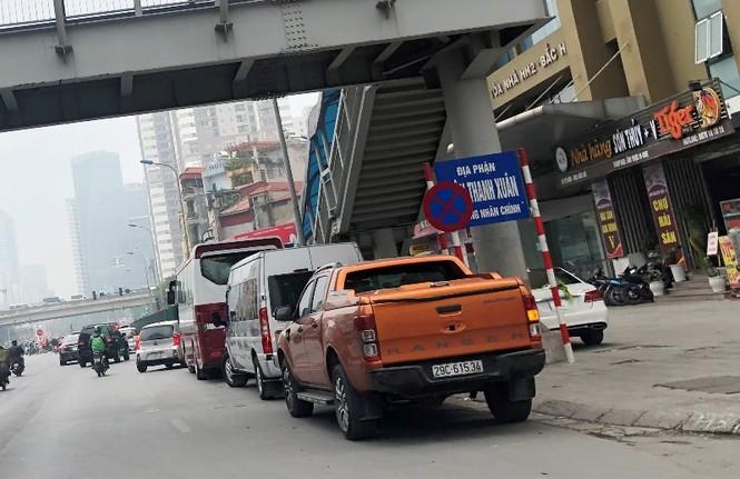Phân luồng phương tiện qua công trường hầm chui Lê Văn Lương ra sao? - ảnh 10
