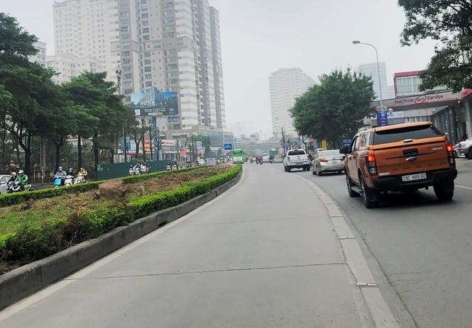 Phân luồng phương tiện qua công trường hầm chui Lê Văn Lương ra sao? - ảnh 8