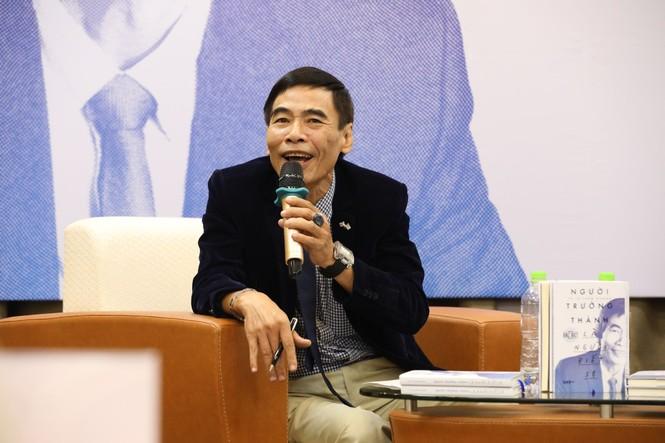 TS Lê Thẩm Dương xuất bản sách có tựa đề gây tranh cãi - ảnh 2