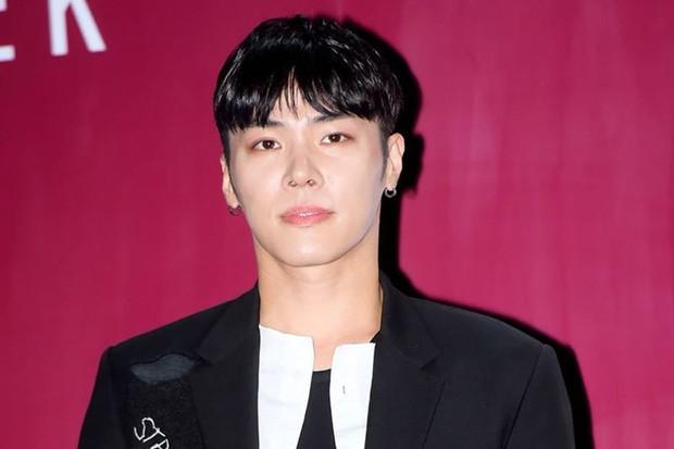 Người đàn ông bán thuốc ngủ, chất cấm cho nam ca sĩ đình đám Wheesung đã bị kết án - ảnh 1