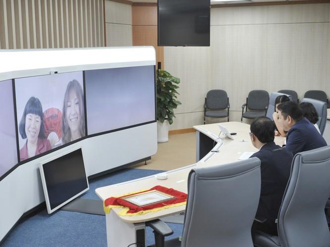 Nữ sinh 17 tuổi sắp tốt nghiệp đại học nhờ tăng cường học online - ảnh 2