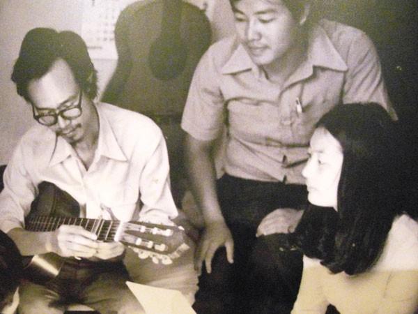 'Nhìn Thanh Tùng chật vật ngồi xe lăn mà ứa nước mắt' - ảnh 1