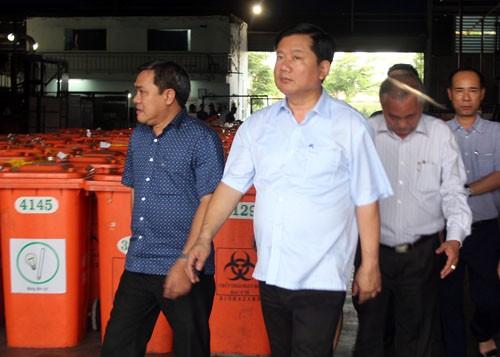 Bí thư Đinh La Thăng 'truy' chủ tịch Hóc Môn về bãi rác gây ô nhiễm - ảnh 2