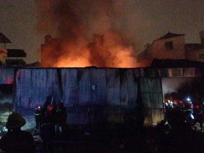 Cháy lớn tại 199 Minh Khai, Hà Nội - ảnh 6