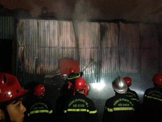Cháy lớn tại 199 Minh Khai, Hà Nội - ảnh 8