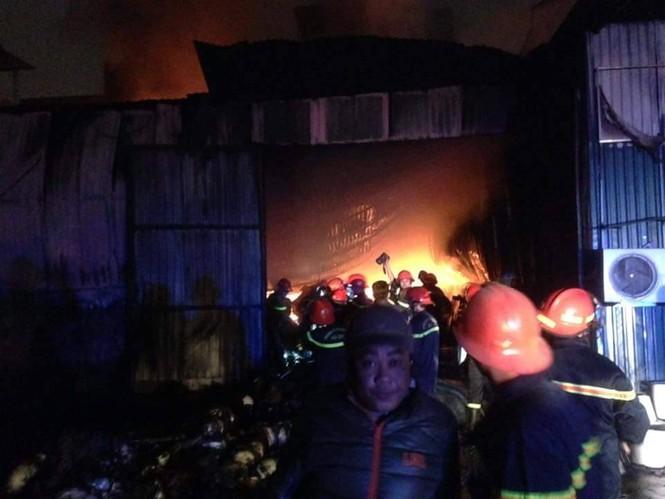 Cháy lớn tại 199 Minh Khai, Hà Nội - ảnh 7
