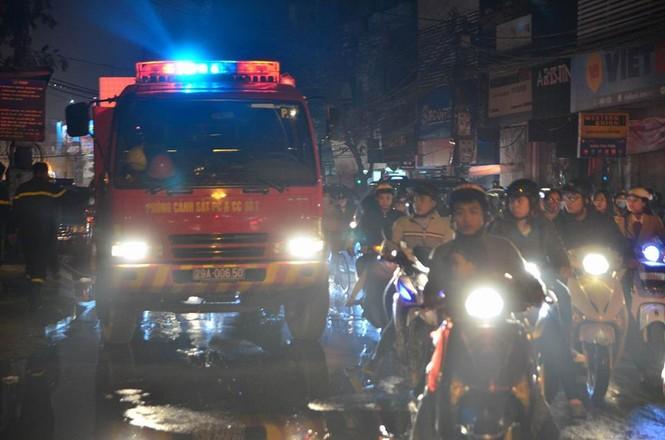 Cháy lớn tại 199 Minh Khai, Hà Nội - ảnh 3