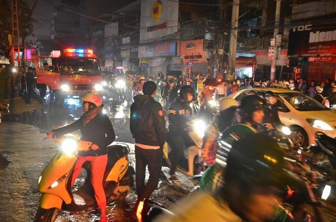 Cháy lớn tại 199 Minh Khai, Hà Nội - ảnh 4
