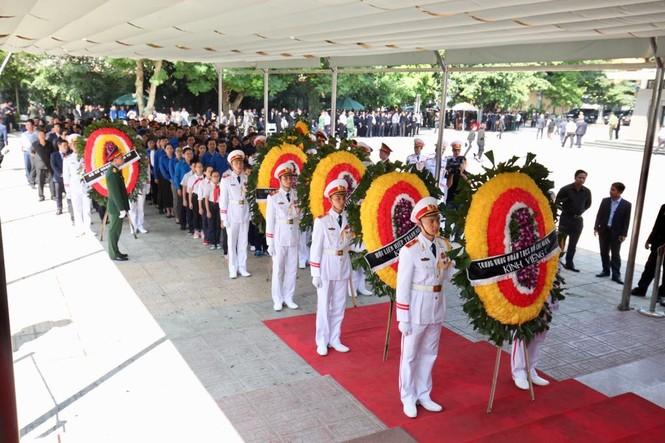 1.500 đoàn trong nước, quốc tế viếng Chủ tịch nước Trần Đại Quang - ảnh 3