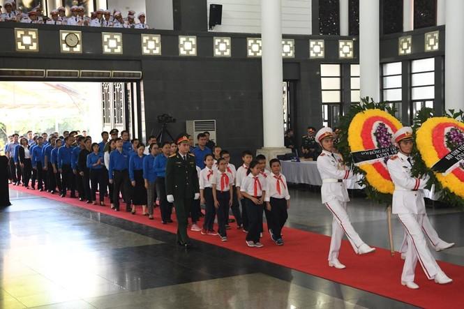 1.500 đoàn trong nước, quốc tế viếng Chủ tịch nước Trần Đại Quang - ảnh 4