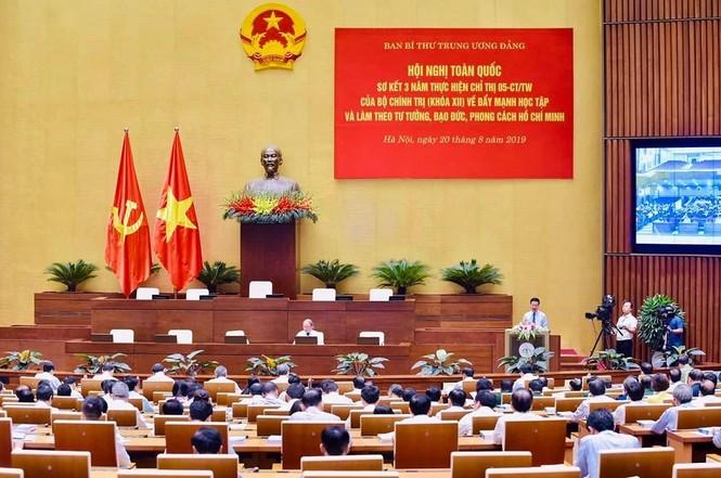 Học tập tấm gương đạo đức Hồ Chí Minh: Nhiều cách làm sáng tạo - ảnh 1