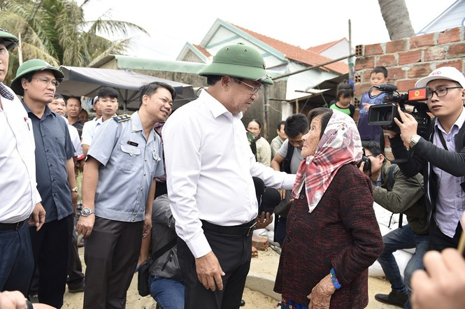 Ứng phó bão số 6, Bình Định phải sẵn sàng sơ tán khẩn cấp dân cư  - ảnh 1