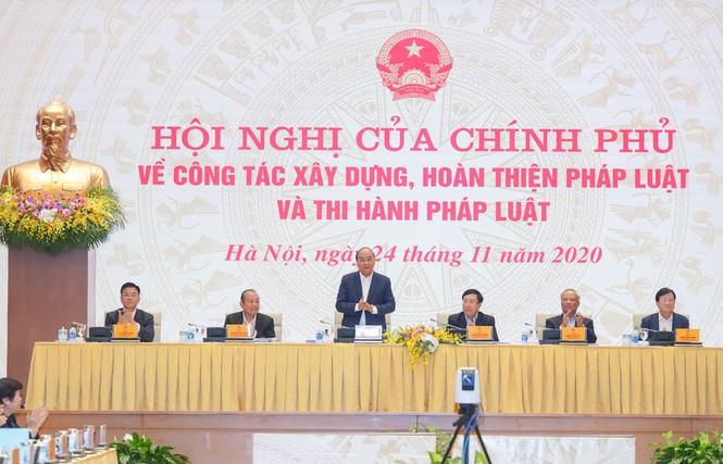 Thủ tướng: Chống lợi ích nhóm, tham nhũng trong xây dựng chính sách - ảnh 1