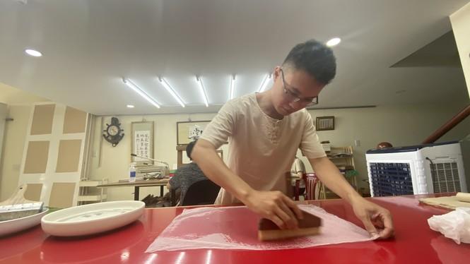 Đột nhập 'bệnh viện giấy' của chàng trai quê miền Trung - ảnh 5