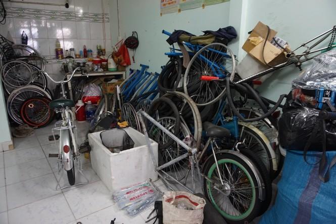 Chàng kỹ thuật viên 'hồi sinh' xe đạp cũ tặng học trò nghèo - ảnh 2