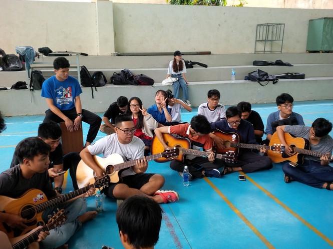 CLB Guitar trường ĐH Sư phạm Kỹ thuật  - ảnh 2