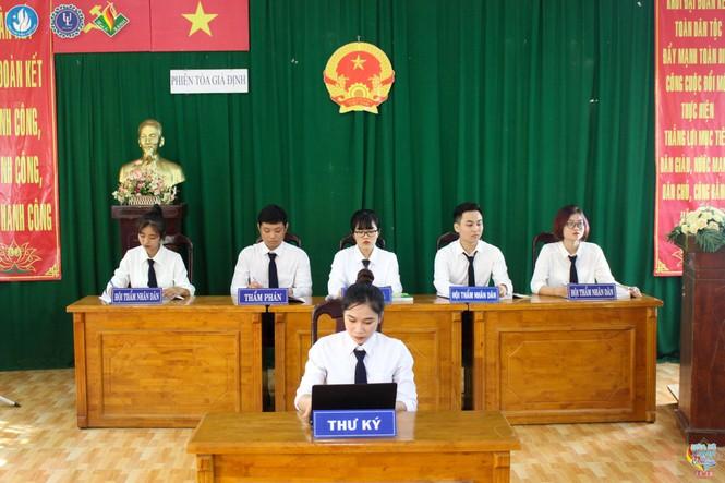 Trường ĐH Luật TP.HCM - ảnh 2