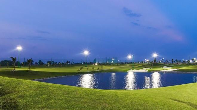 Sân golf 1.500 tỷ ở Hà Nội nhìn từ trên cao - ảnh 3