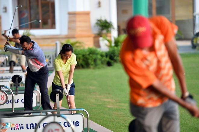 Sân golf 1.500 tỷ ở Hà Nội nhìn từ trên cao - ảnh 4