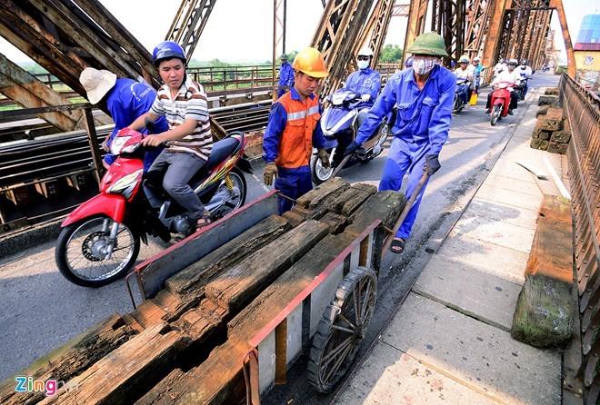 Cầu Long Biên vào đợt đại tu lớn nhất thế kỷ - ảnh 7