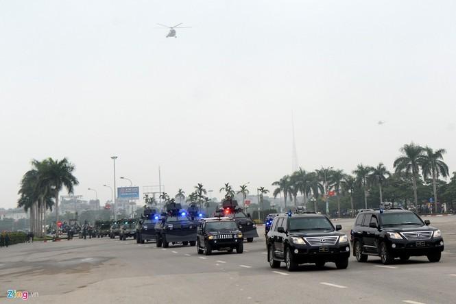 Dàn xe chống khủng bố tham gia bảo vệ Đại hội Đảng - ảnh 1