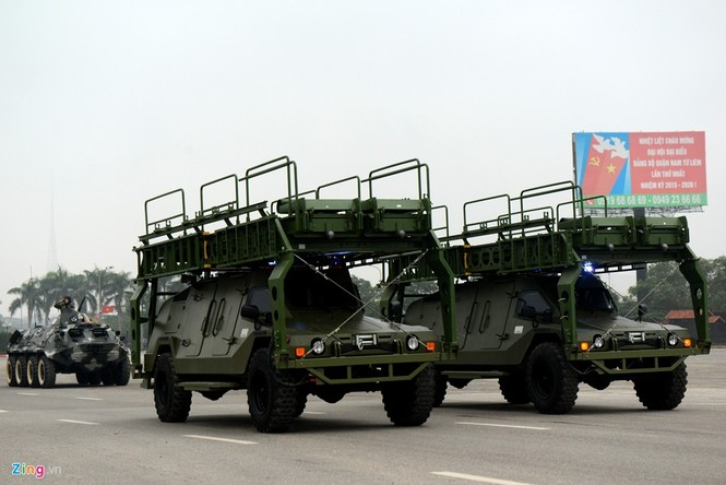 Dàn xe chống khủng bố tham gia bảo vệ Đại hội Đảng - ảnh 6
