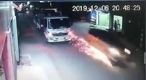 Thông tin mới vụ tài xế ôtô chở thuốc lá lậu tử vong vì trúng đạn - ảnh 2