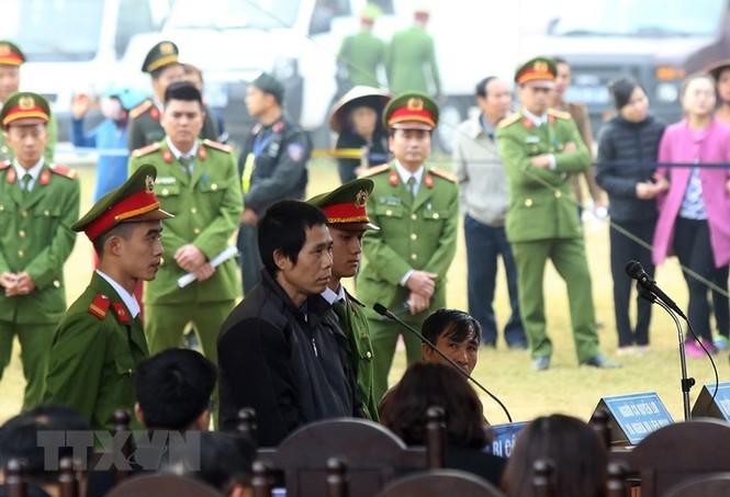 Các bị cáo đồng loạt 'chỉ điểm' kẻ chủ mưu, Bùi Văn Công 'phản cung' - ảnh 8