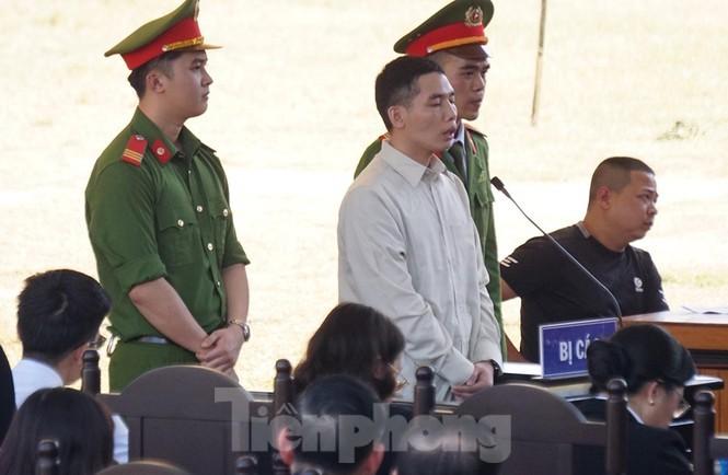 Các bị cáo đồng loạt 'chỉ điểm' kẻ chủ mưu, Bùi Văn Công 'phản cung' - ảnh 4