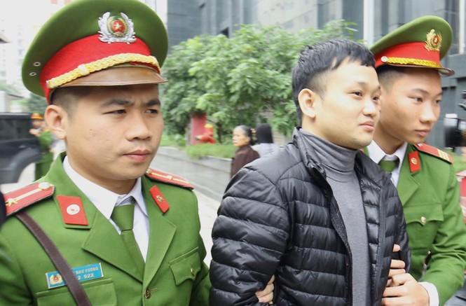 Cận cảnh các bị cáo ra tòa MobiFone mua AVG trước giờ tuyên án - ảnh 5