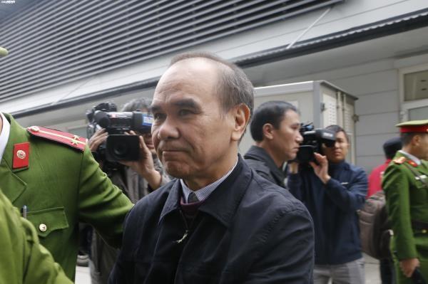 Cận cảnh các bị cáo ra tòa MobiFone mua AVG trước giờ tuyên án - ảnh 8